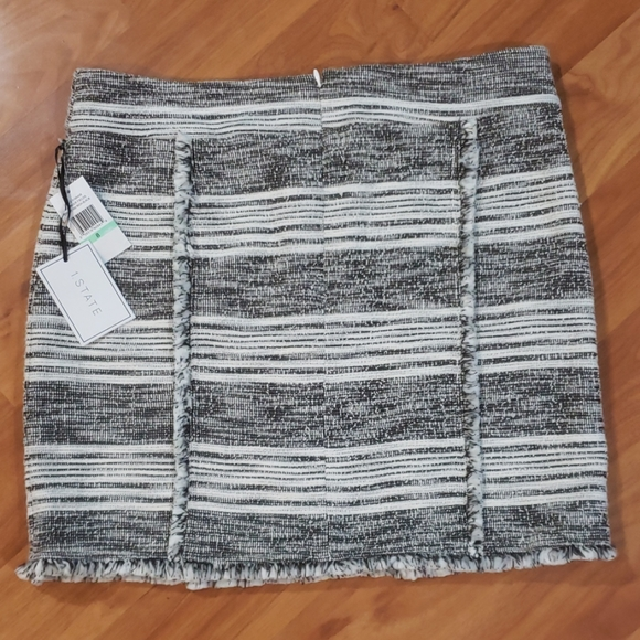 1. State Dresses & Skirts - 1 State Fringe Trim Tweed Pencil Skirt. Size 8.
